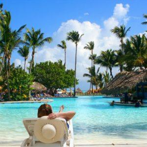 photodune-1231437-tropical-pool-bar-m-400x400