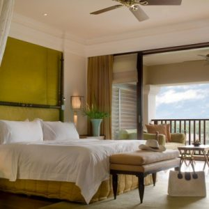 photodune-2676493-suite-bed-room-with-balcony-of-a-luxury-resort-m-400x400